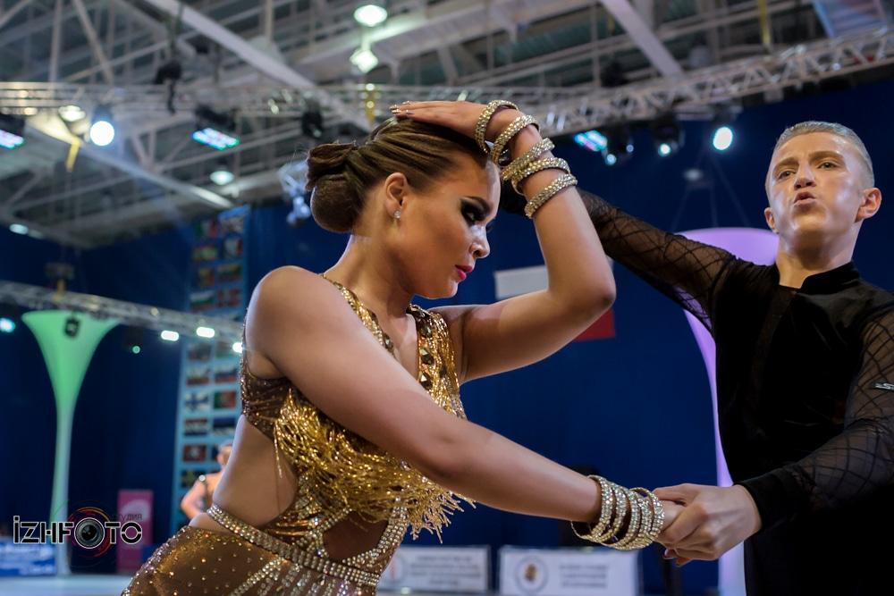 Бальные танцы латиноамериканская программа Фото