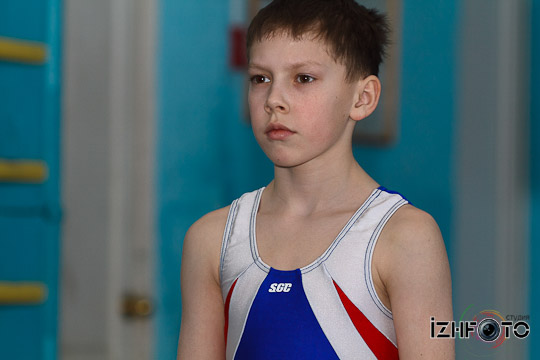 Юные гимнасты Фото