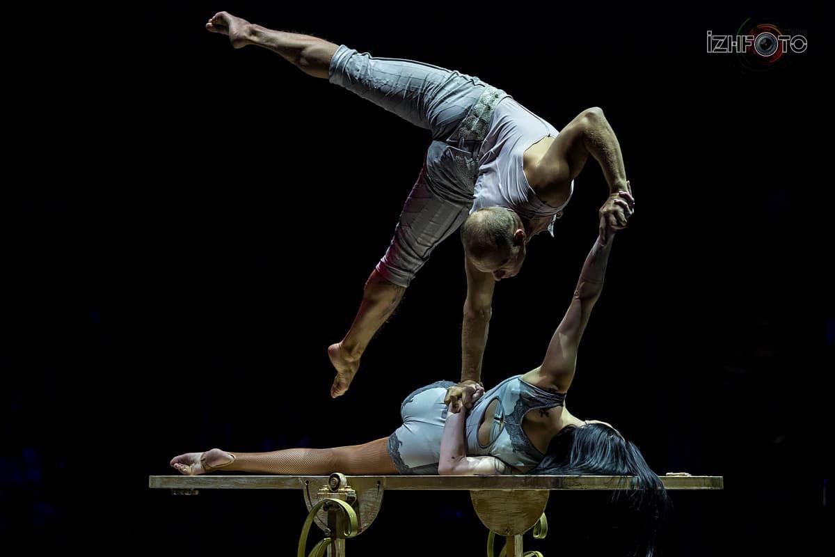 «За дверью», акробатический дуэт, Россия