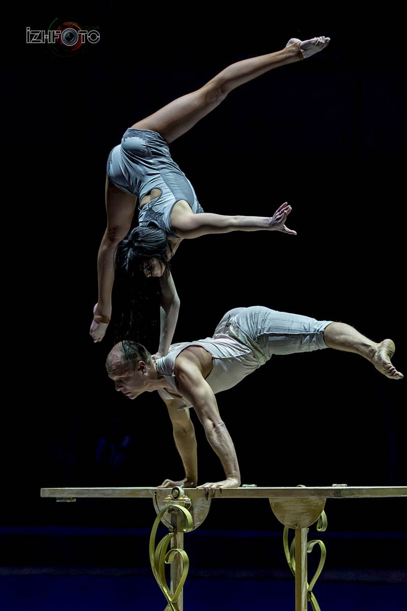 """ Behind the door"", acrobatic duo, Russia"