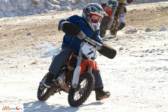 Зимний мотокросс Фото
