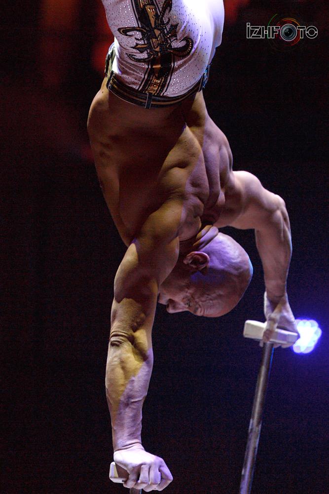 Эквилибр цирк Фото