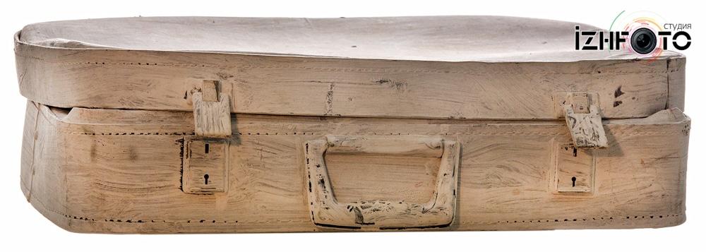 Старый чемодан Фото