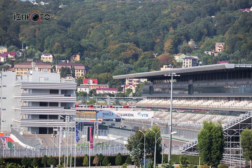 Старт трассы Формулы 1 Сочи Фото