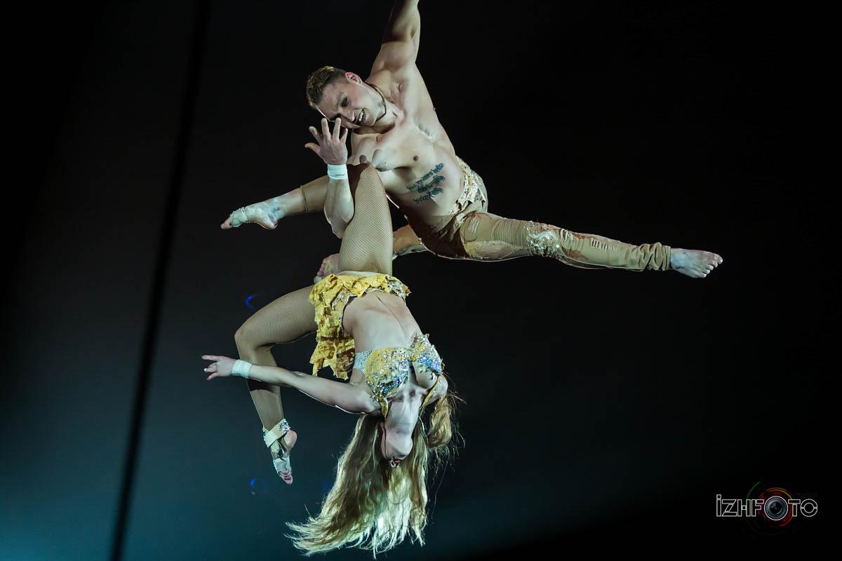 Фото воздушных акробатов в цирке