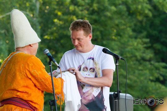 festival_teoriya_otnositelnosti_2011_Izhevsk_-Enstain-pochetniy-Udmurt_008