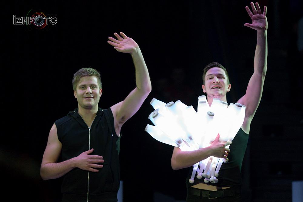 """Nightlight"" ""Jonglissimo"", Juggling group, Austria"