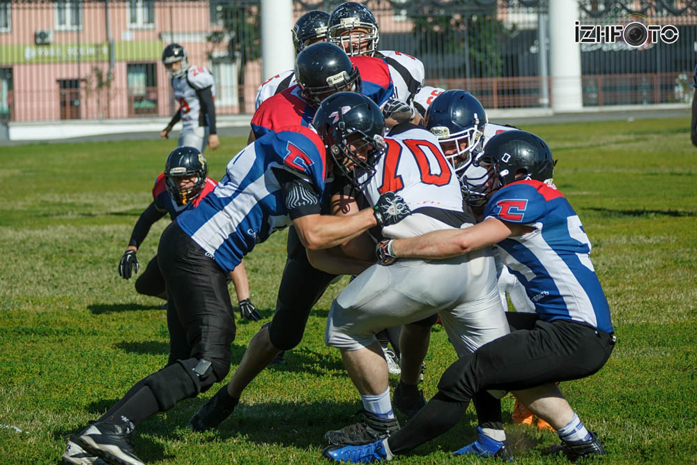 Американский футбол в России