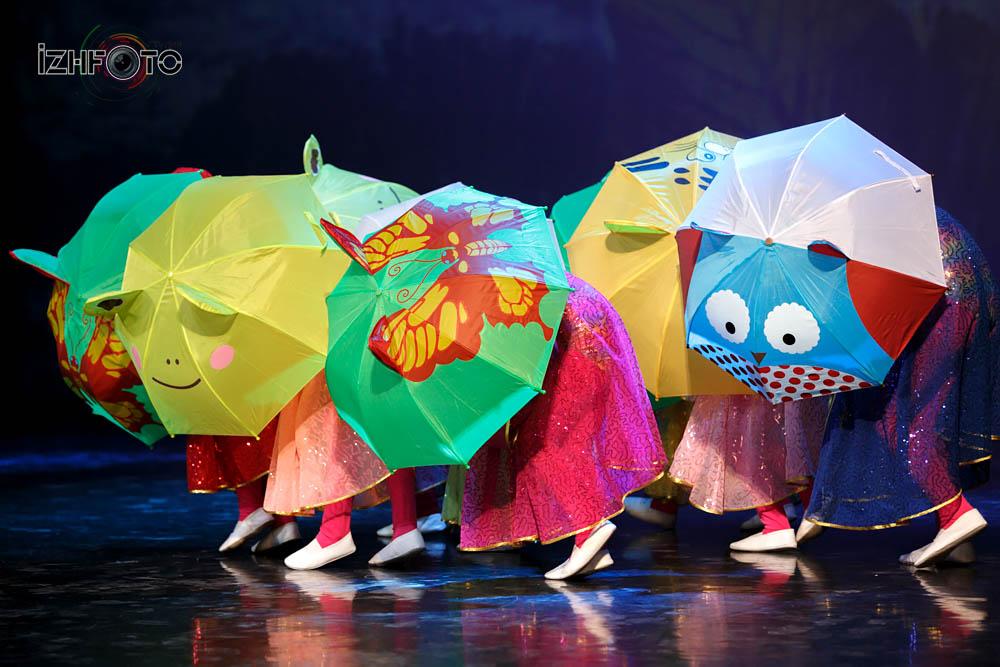 Детская танцевальная студия «Дива-Kids» «Под дождём гуляя»