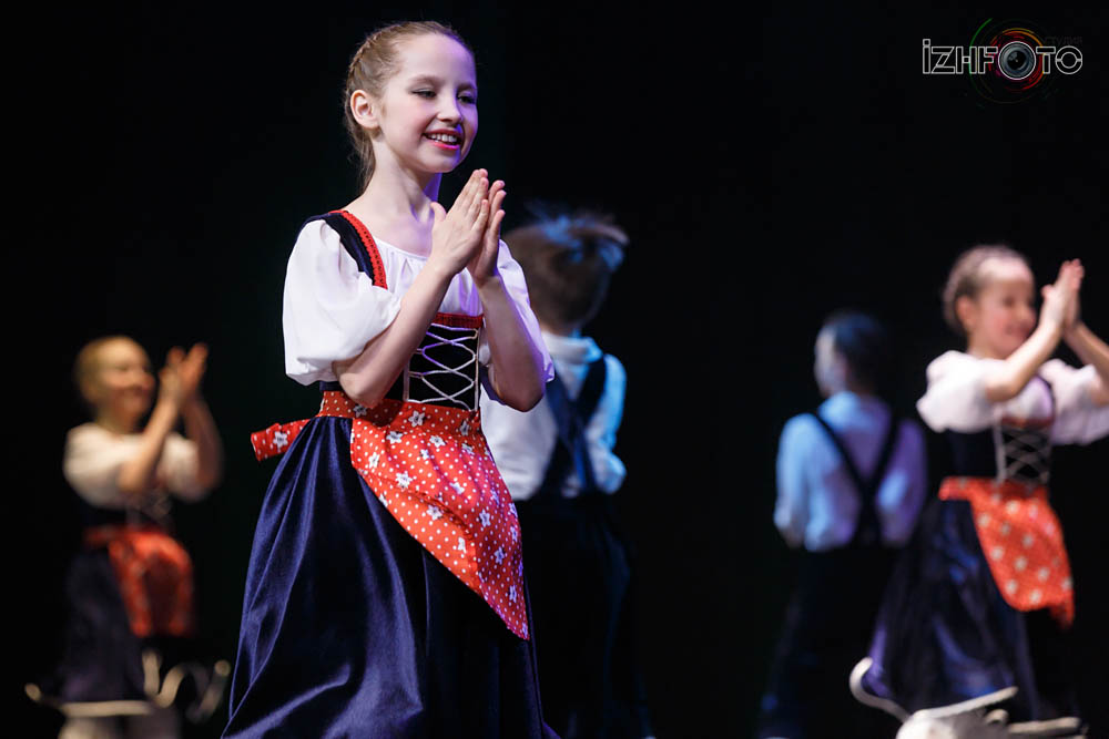 Ансамбль танца «Янушка» «Давайте споём»