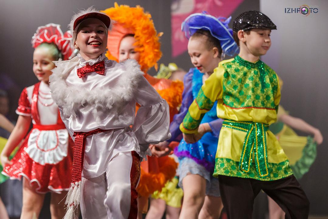 Где занимаются танцами дети в Ижевске