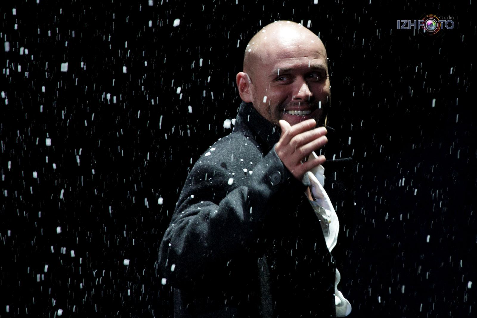 Максим Аверин, фото со спектакля в Ижевске