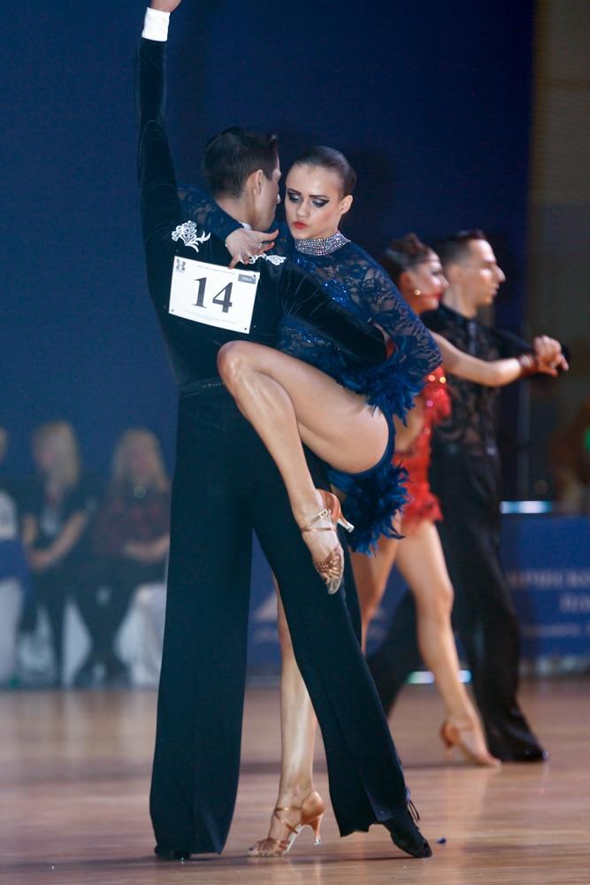 Соревнования по бальным танцам Фото
