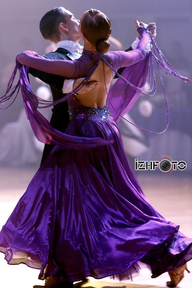 Конкурс бальных танцев Фото