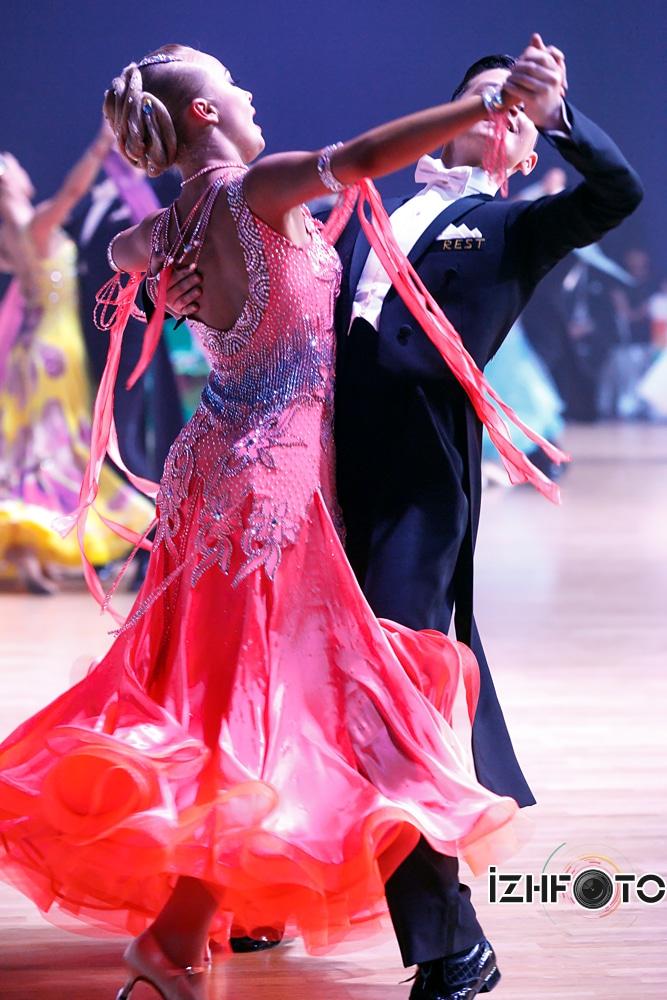 Чемпионат по бальным танцам Фото