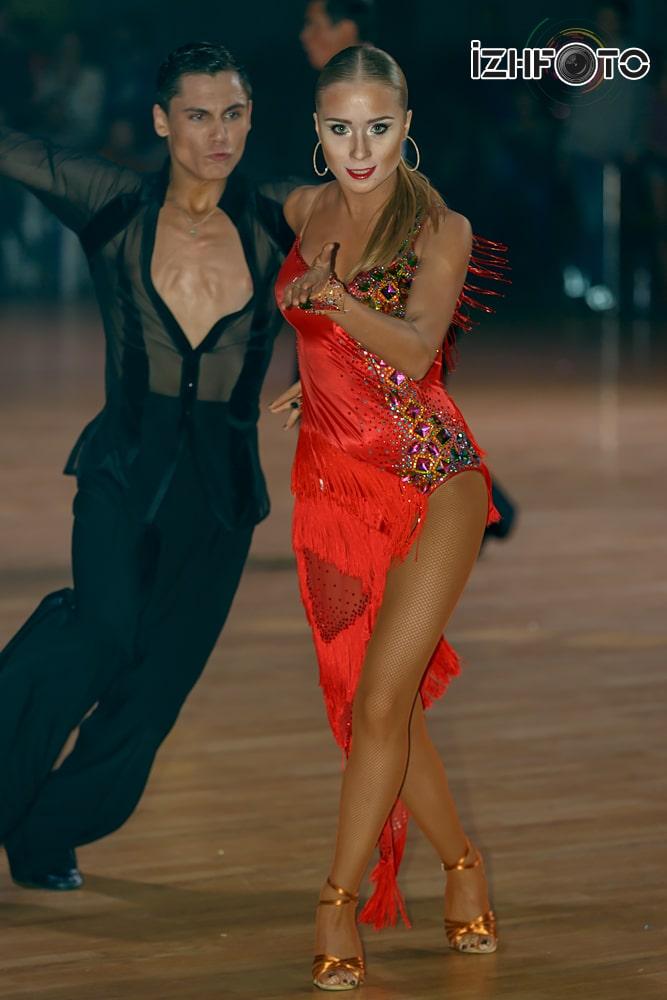 Бальные танцы Фото