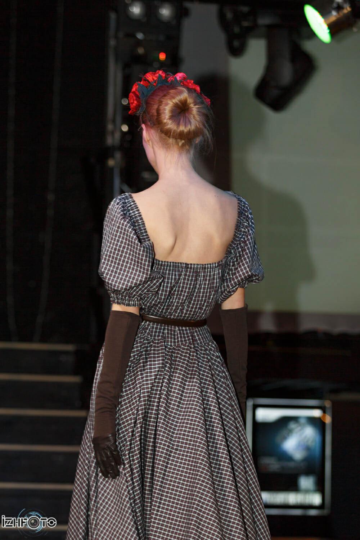 Платья от ижевских дизайнеров Фото