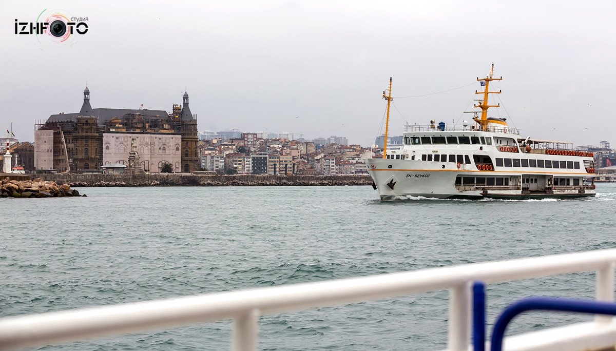 Паром через Босфор в Стамбуле