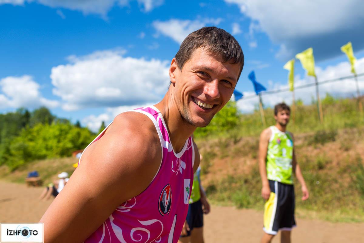 Занятия пляжным волейболом в Ижевске