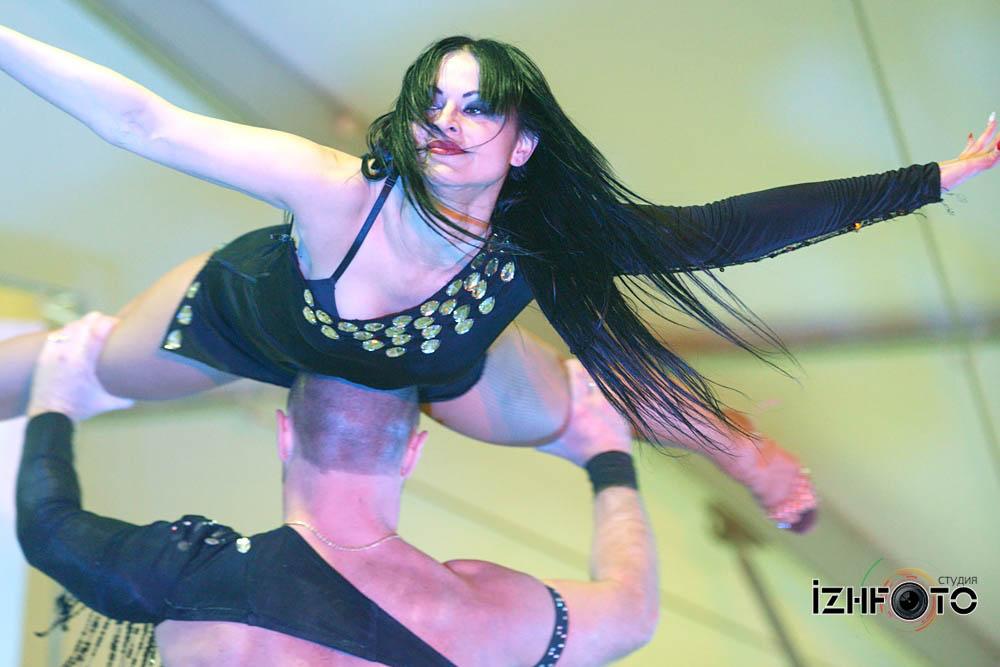 Костюмы для шоу балета Фото