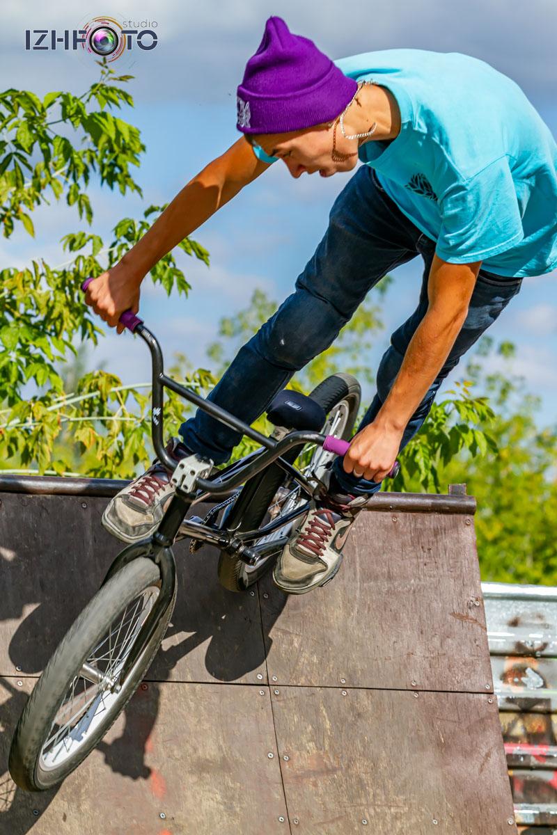 Трюки на велосипедах Bmx