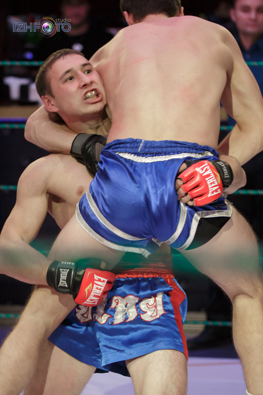 Соревнования по боям без правил в Ижевске