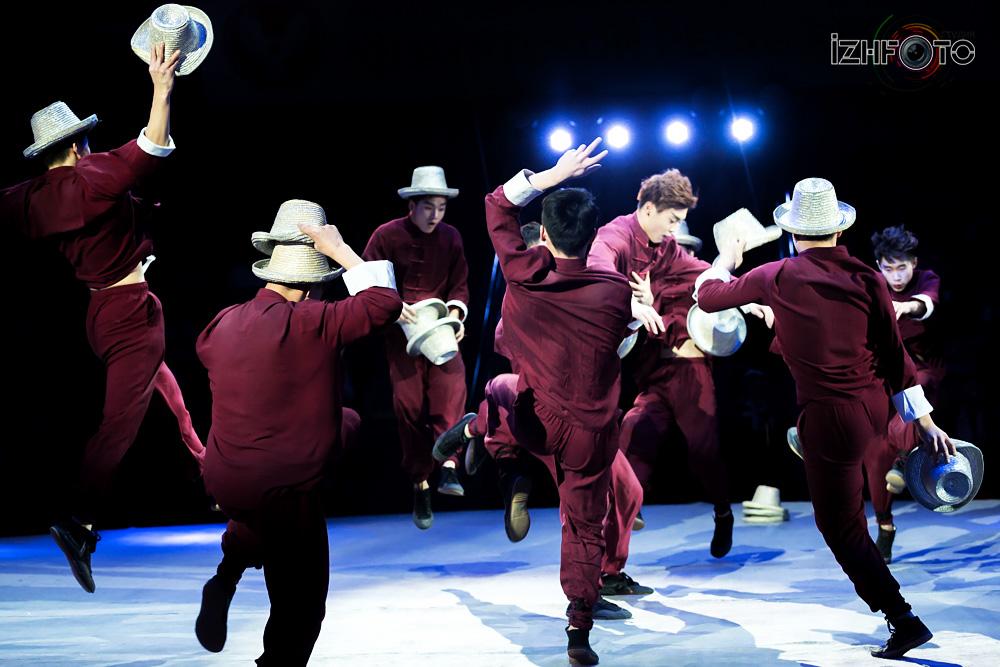 Jinan acrobatic troupe Photo
