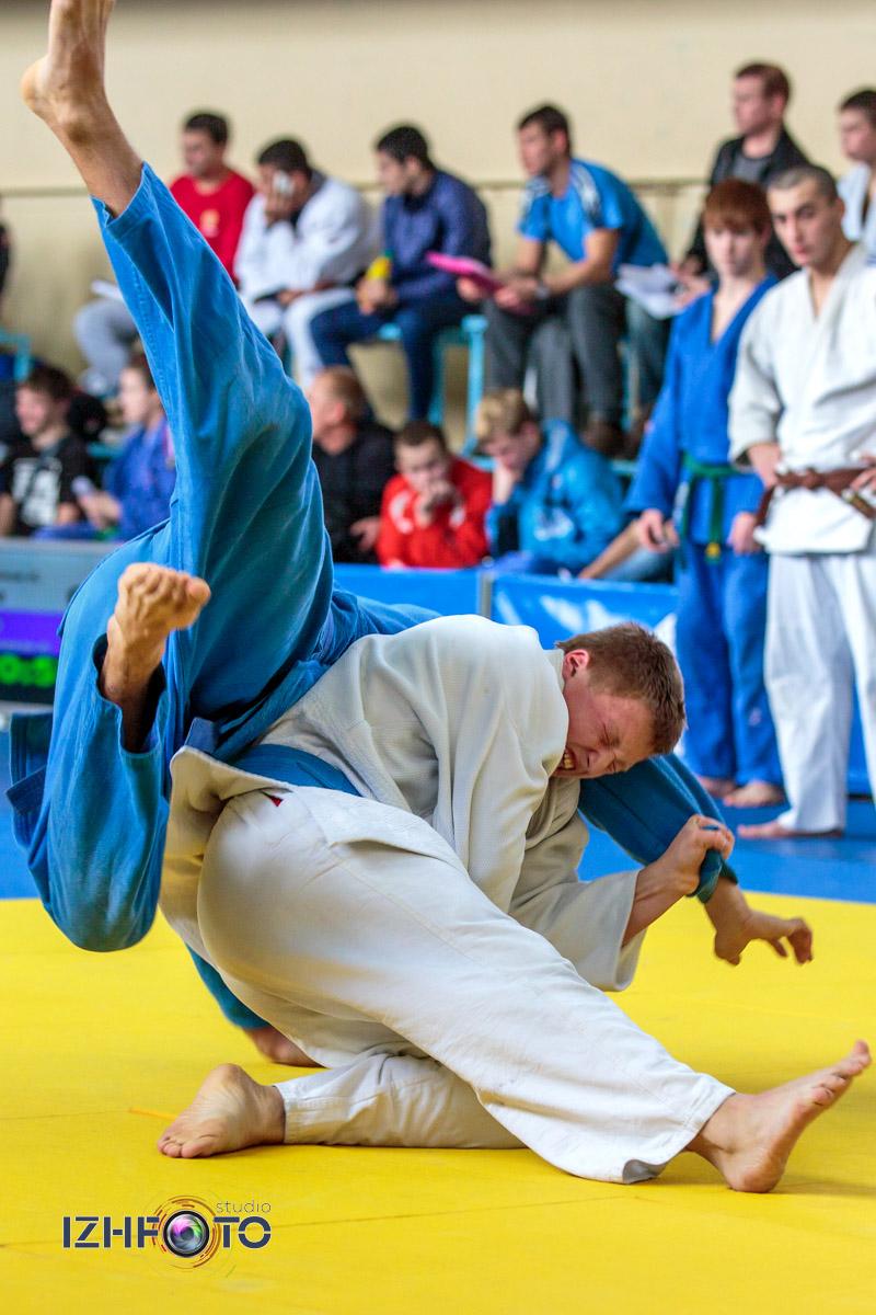 Соревнования по дзюдо среди юниоров