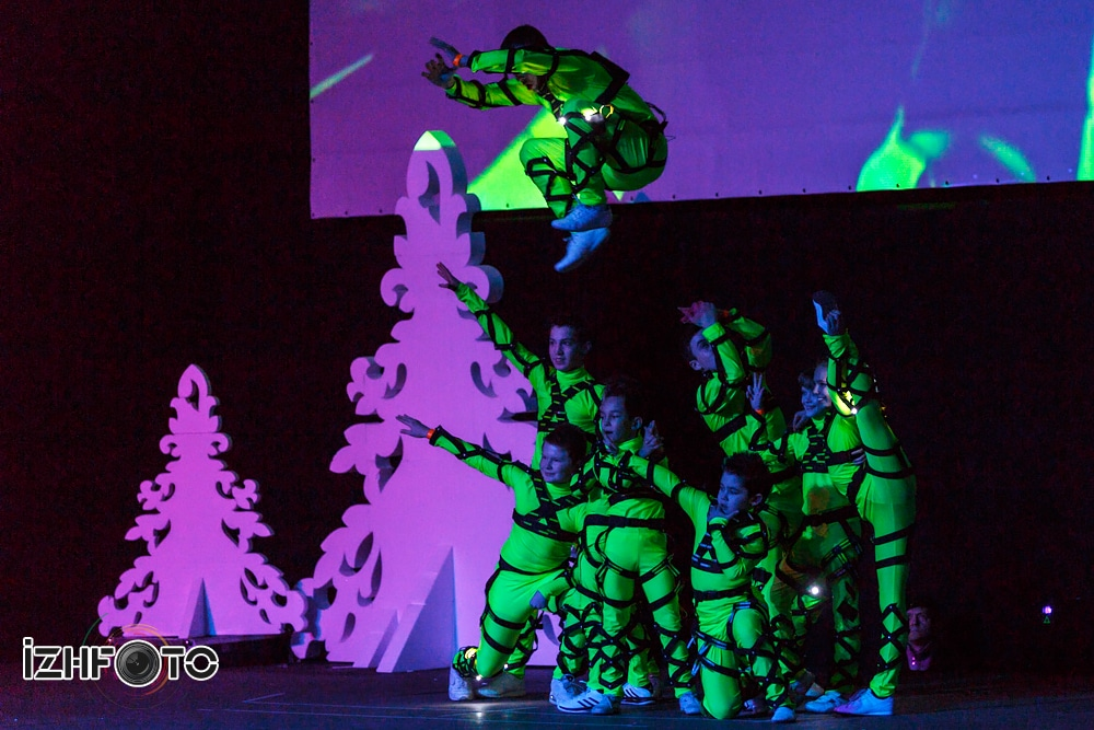 Новогоднее шоу в Ижевске Фото