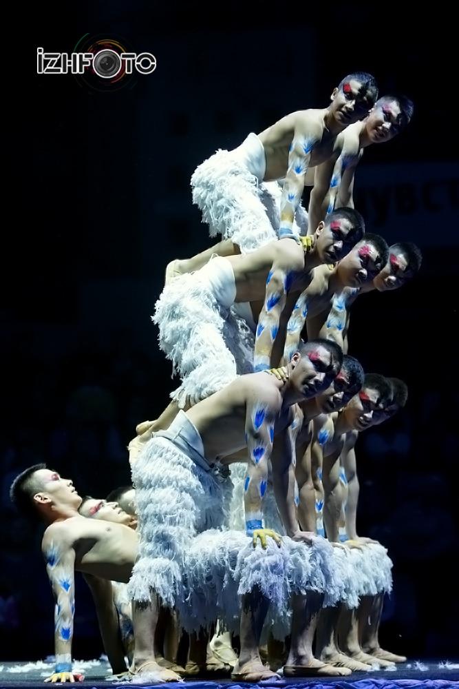«Лебединое озеро», групповой эквилибр, Китай