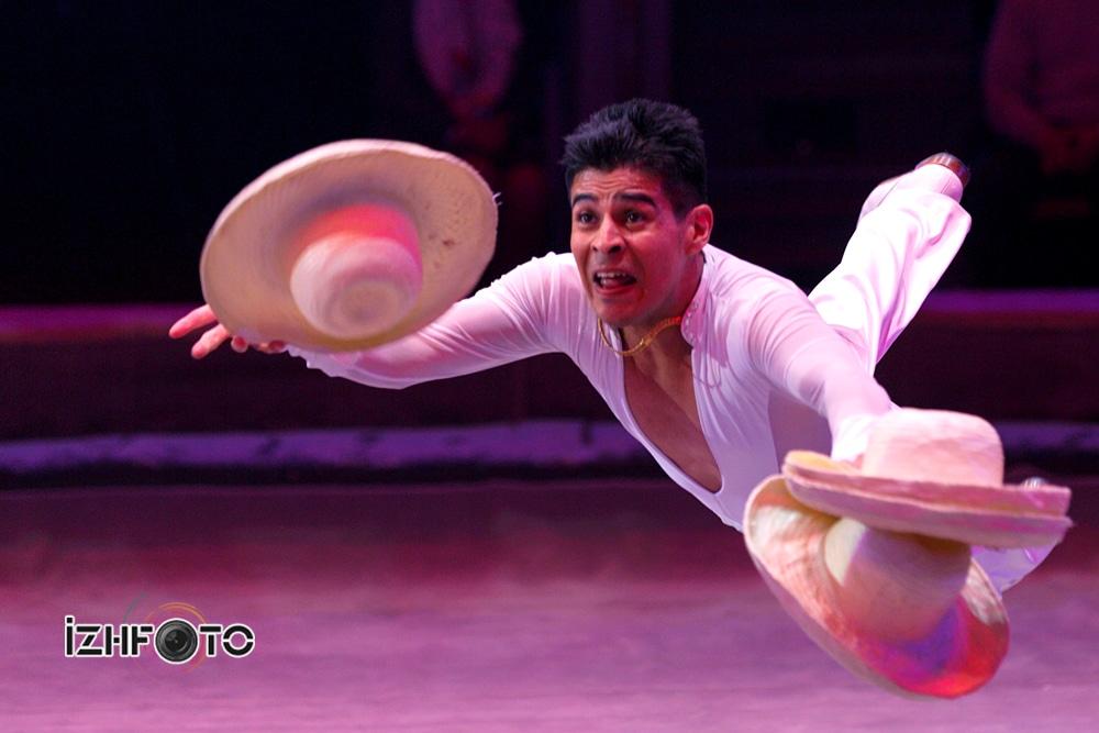Juan Pablo Martinez, juggler, Mexico