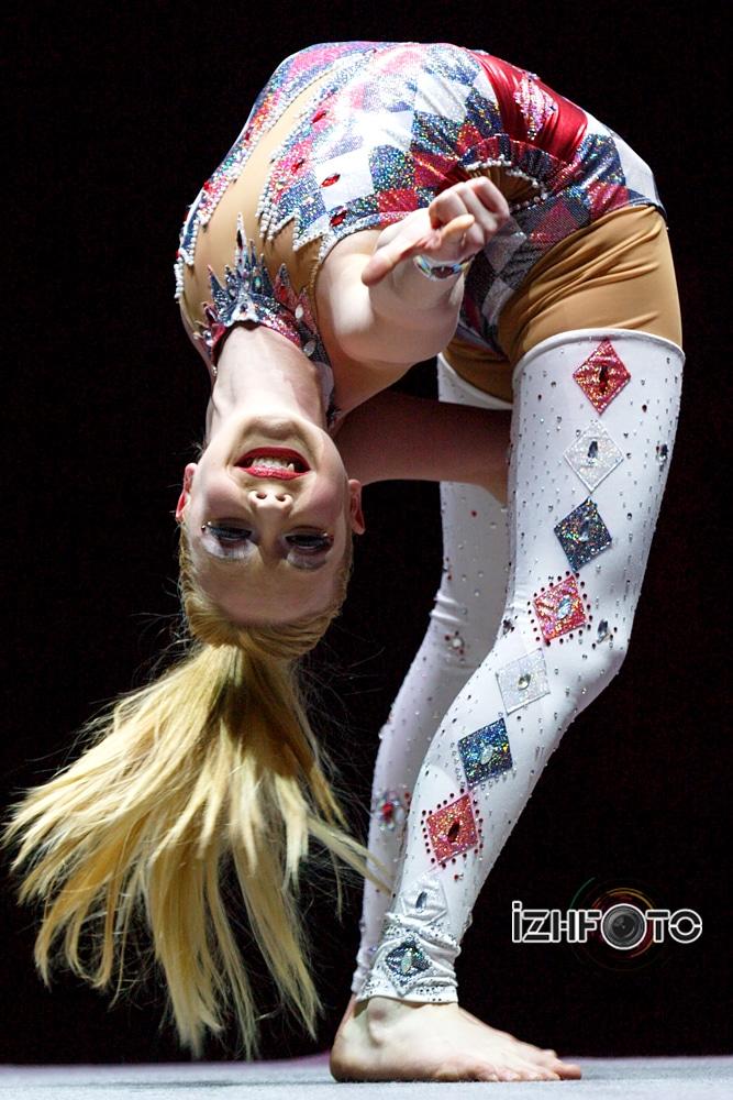 Jordan, contortionist, USA
