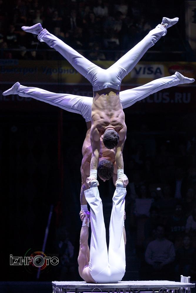 Акробатическое трио «Экс-трим бразерз» Румыния