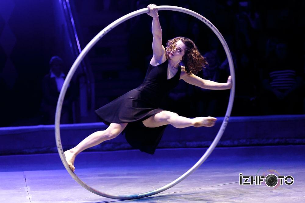 Angela Bonzhiovonni RueCyr Canada