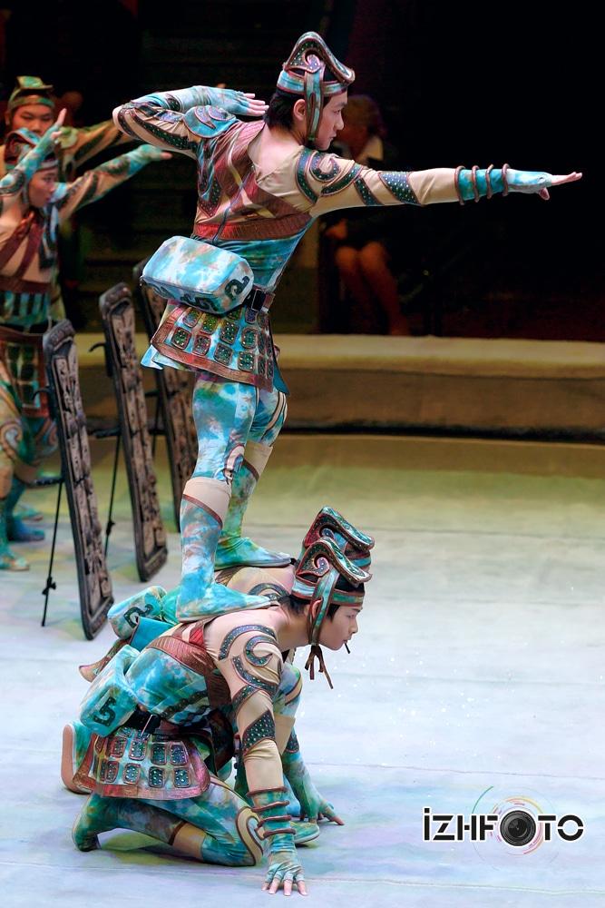 Тяньзинская акробатическая группа