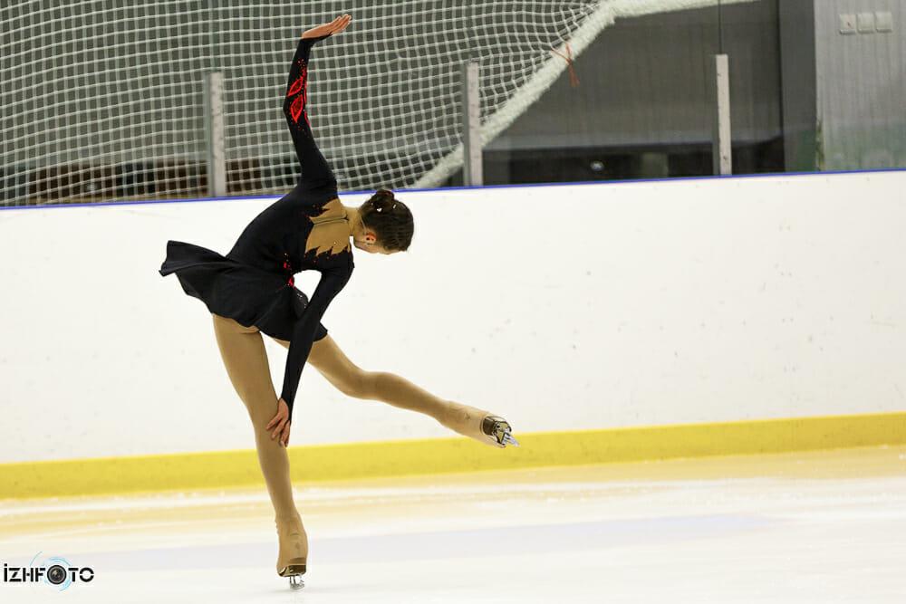 Катание на фигурных коньках