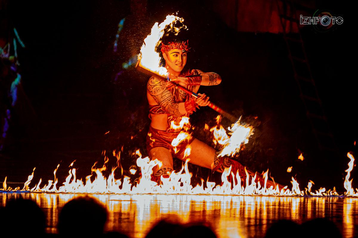 Цирк Дю Солей с программой Алегриа