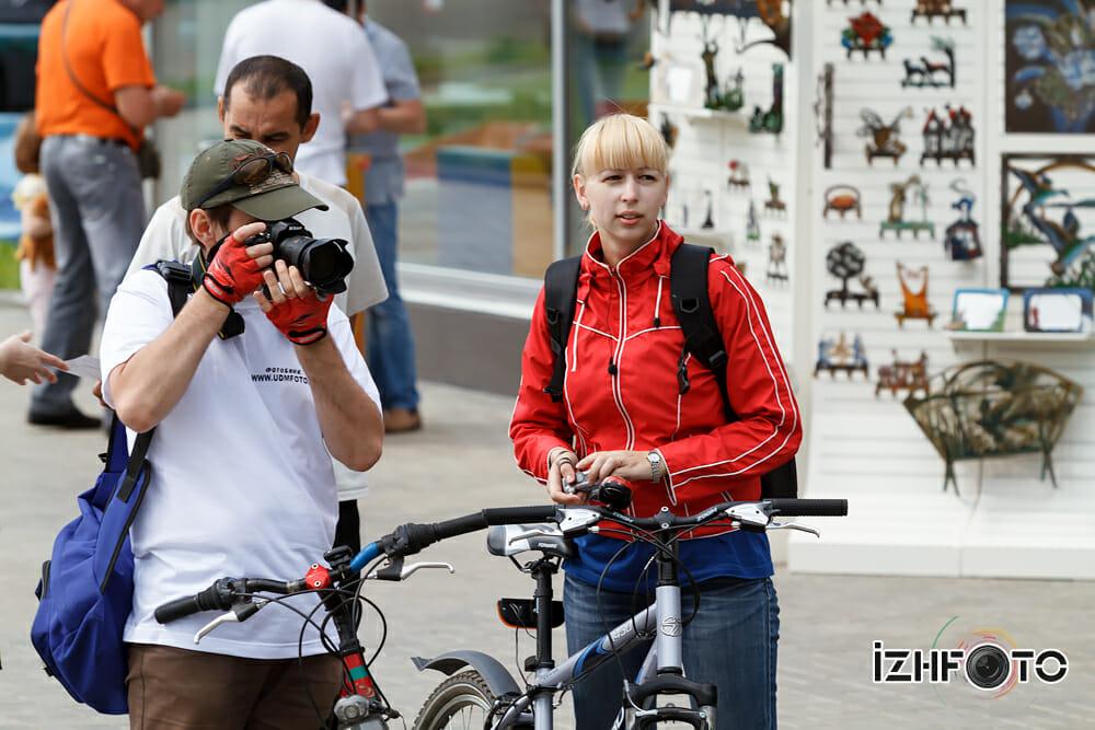 Фотоаппарат и велосипед