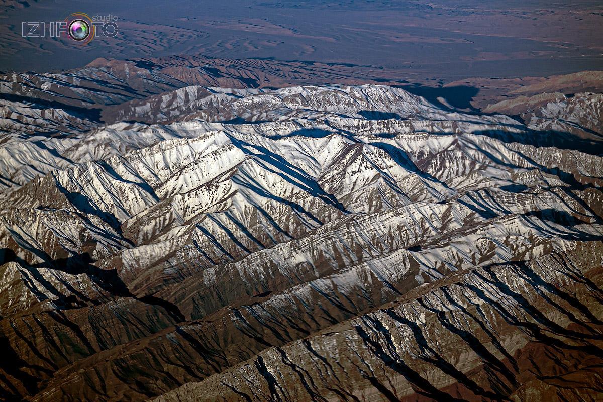 Горы Ирана с высоты Фото