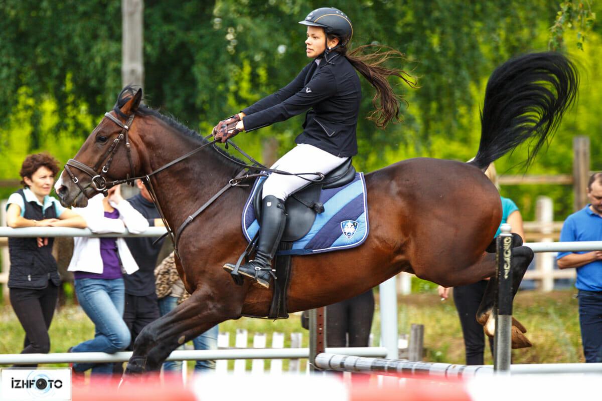 Конный спорт в Ижевске Фото