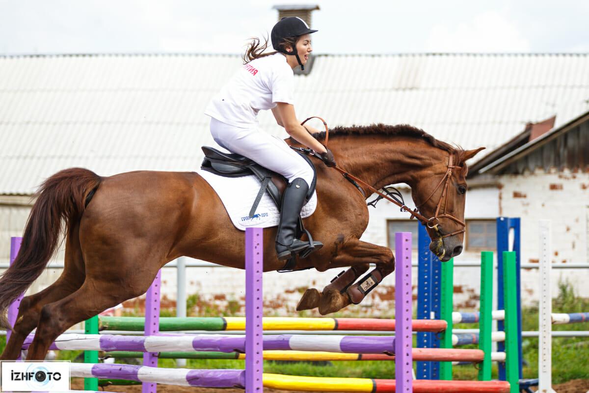 Фото с соревнований по конкуру в Ижевске