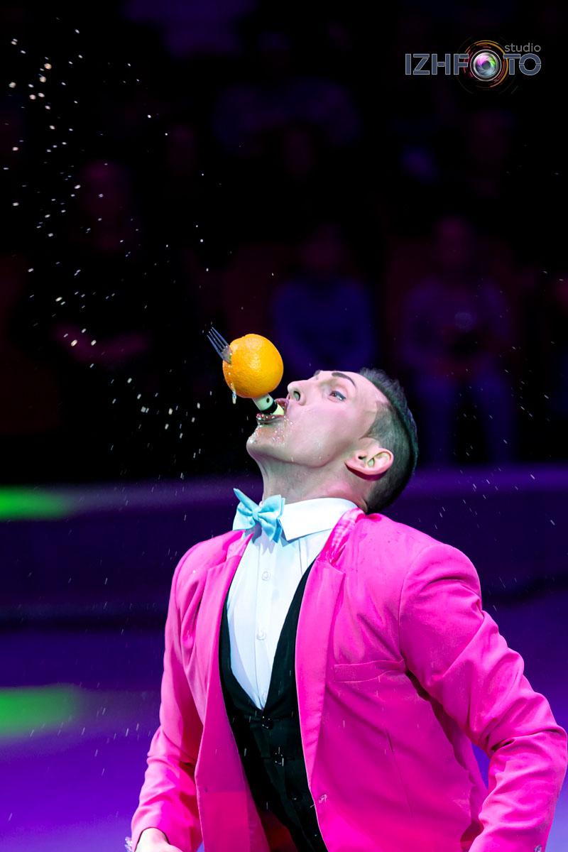 Анатолий Акула, клоун-эксцентрик