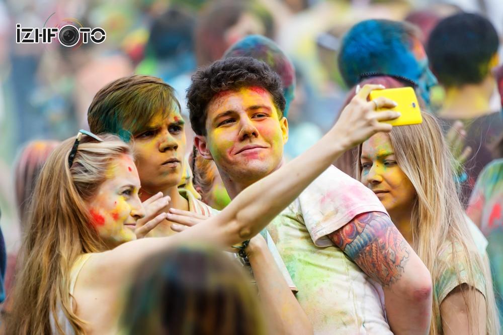 Праздник красок Холи 2015 Фото