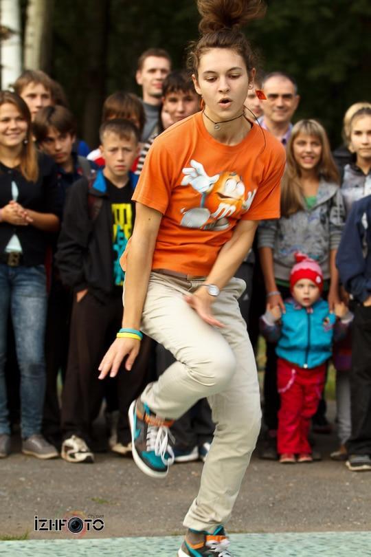 Фотографии танцев на улице