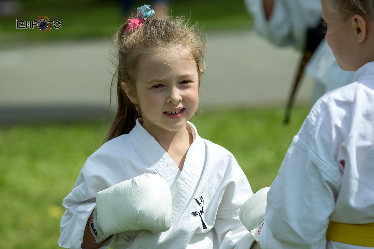 Занятия карате для самых маленьких Фото