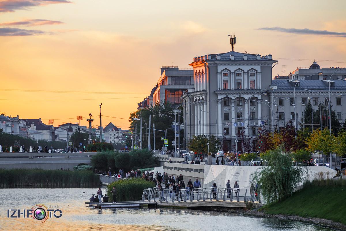 Фото с прогулки по центру Казани вечером