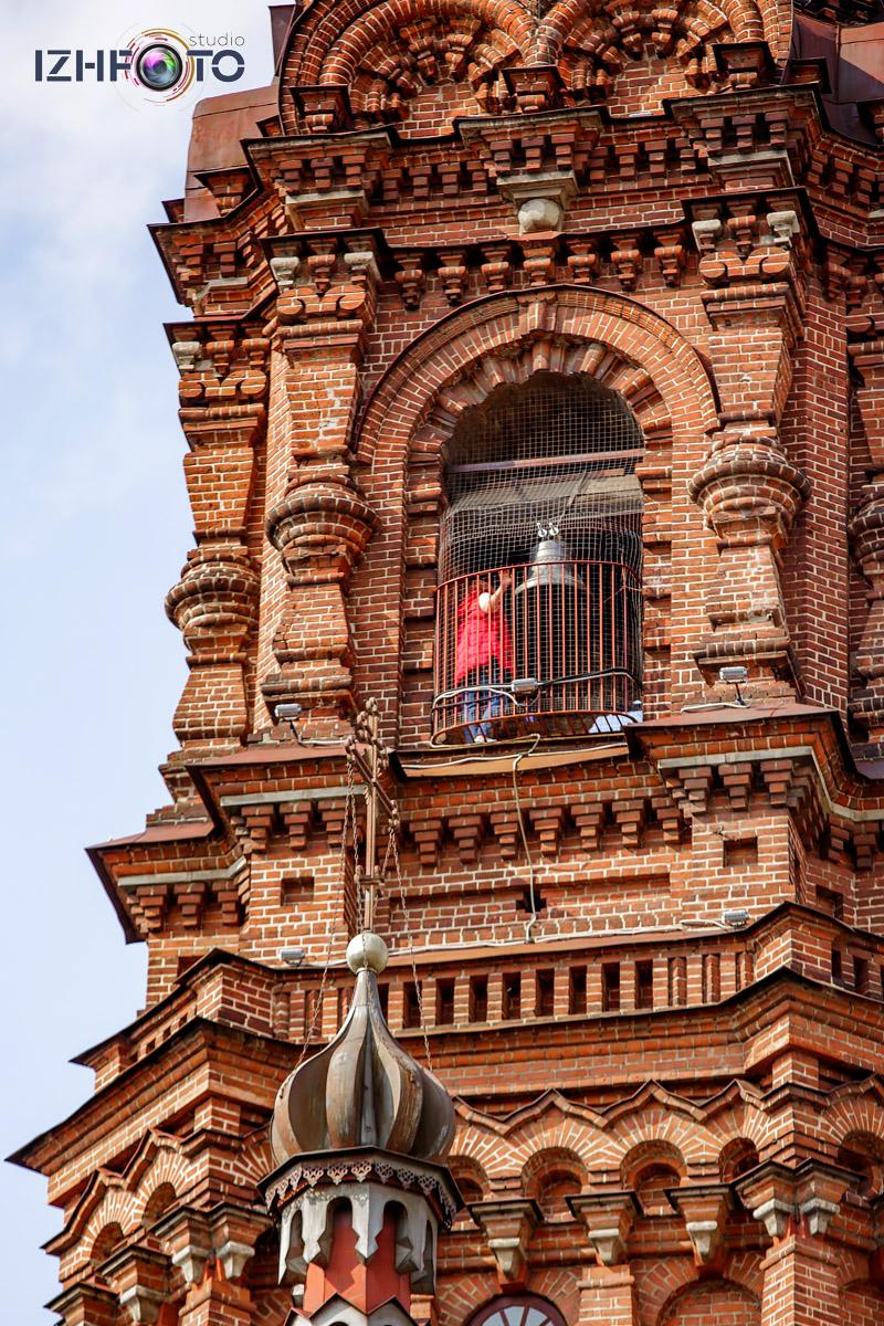 Экскурсии на Колокольню Богоявленского Собора в центре Казани Фото
