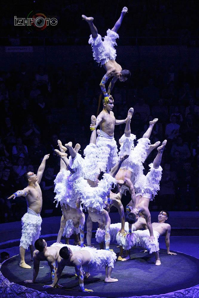 Китайский цирк Фото