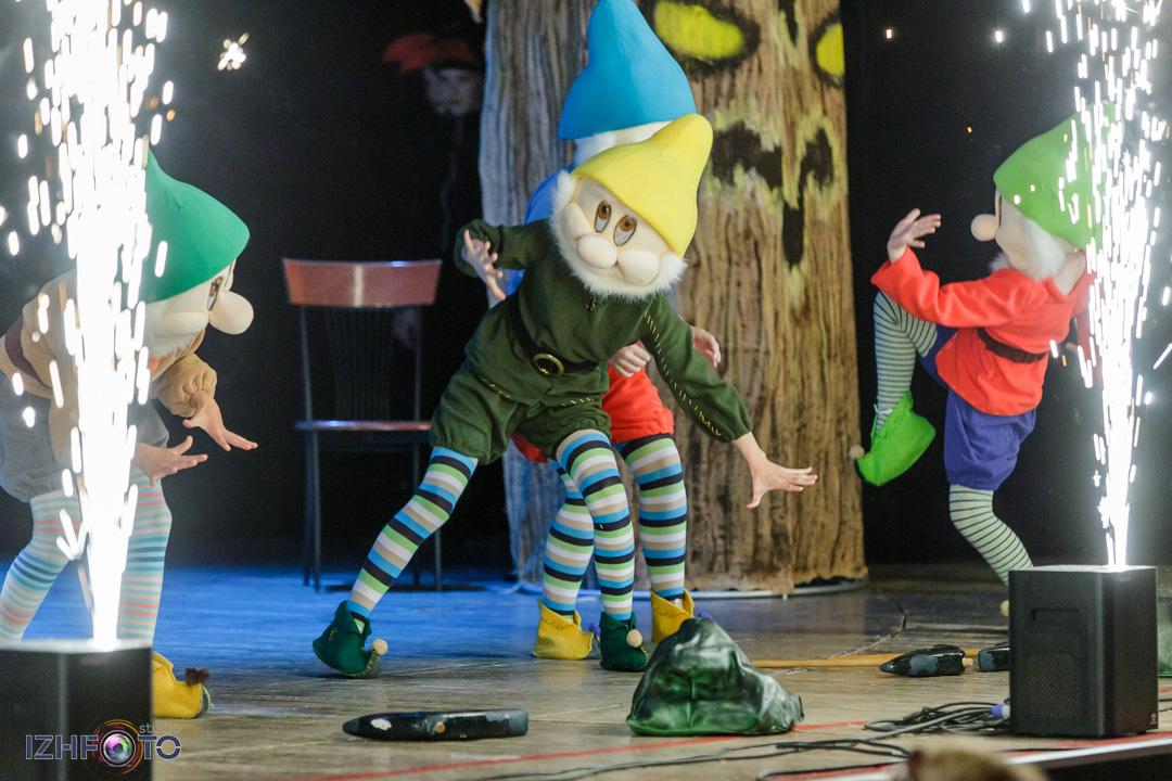 Фото выступлений танцевальных коллективов