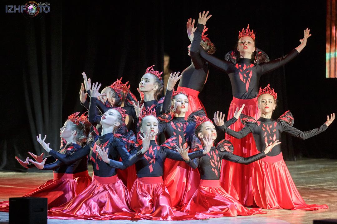 Фото с концерта театра танца Колибри Ижевск